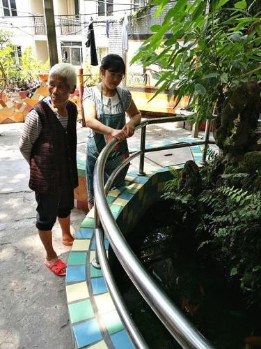 重庆市沙坪坝区歌乐山镇光鑫康乐园老人公寓老人图片
