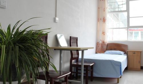 天津市宝坻区温馨养老院房间图片