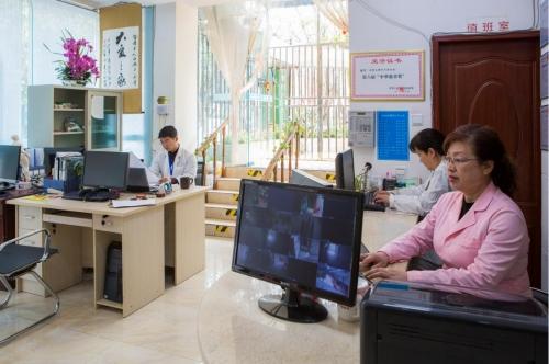 成都市錦江區暖巢人家照料護理中心護工圖片