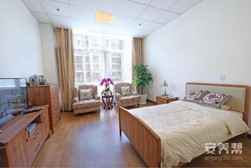 �h洋・椿萱茂(北京青塔)老年公寓房�g�D片