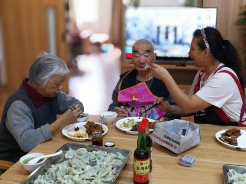 马桥子街道华润社区养老服务中心服务图片