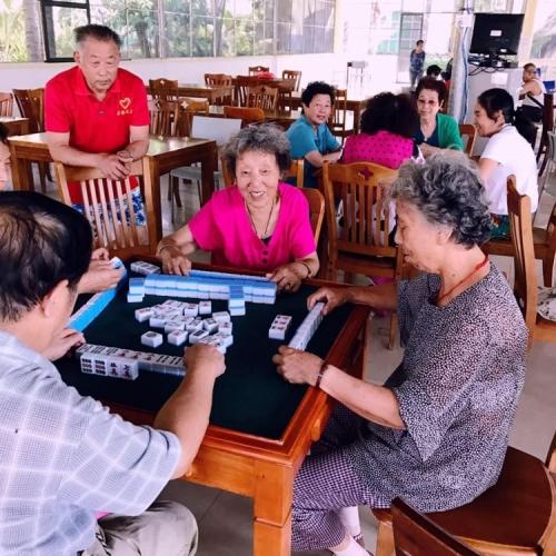 海棠福湾拈花指月度假村老人图片