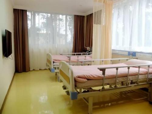 合展养老至上护理院房间图片