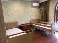 李七庄街滨湖养老院房间图片