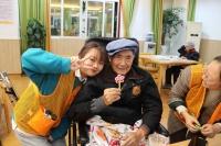 重庆光大百龄帮·钟鼓楼街道社区养老服务中心老人图片